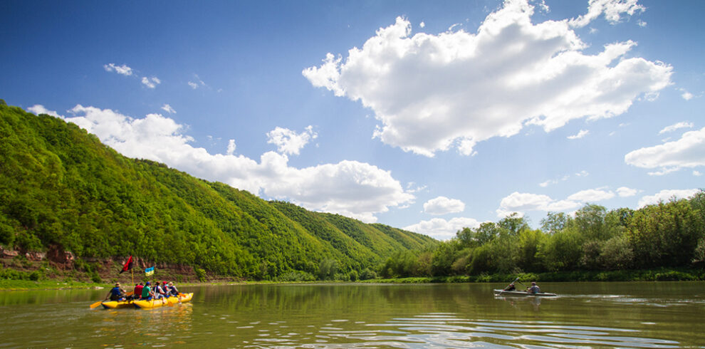 Сплав річкою на катамаранах Дністровський каньйон