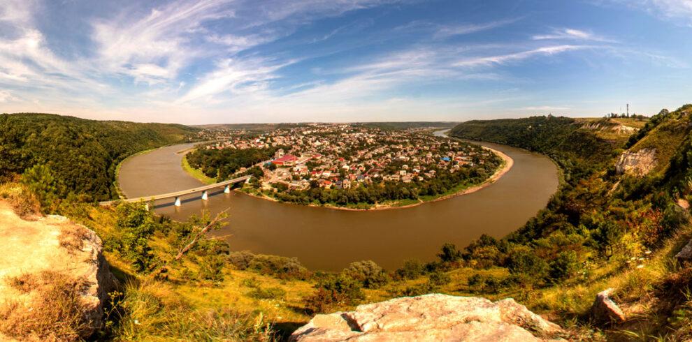 Панорама міста Заліщики екскурсії туризм сплав дністром