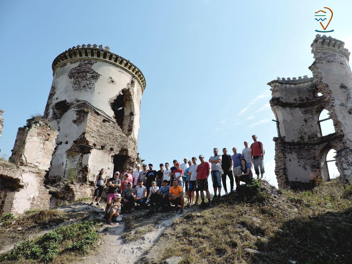 червоногородський-замок-нирків-екскурсії