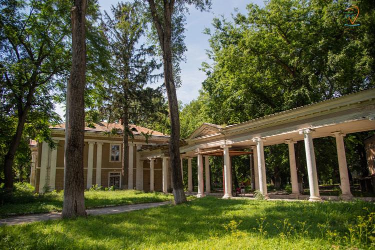 Палац баронів Бруницьких